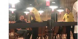 【扑克反水】一名英国男子在比赛中骚扰Phil Hellmuths