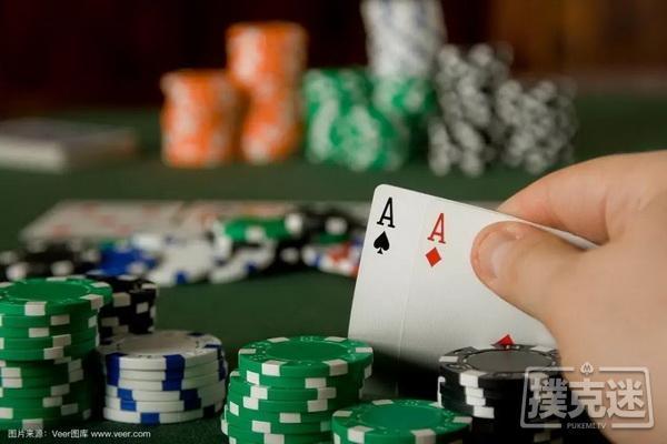 起手牌范围的推算这上听也太快了,四圈上听然后自摸2020澳大利亚10万美元豪客赛FT01(原声版)德州扑克WPT2016三亚站主赛事决赛桌012019超级碗豪客赛巴哈马站FT_10赛场上这些玩家,你敢说你不讨厌?德州扑克关于下注尺度的调整牌局分析丨自杀式诈唬半诈唬及其实战牌例