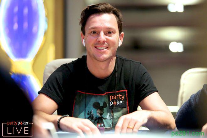 奖金超过2000万美元,他是如何打锦标赛的?