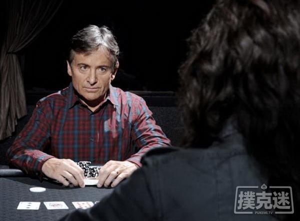 德州扑克游戏中如何一眼看穿对方的谎言