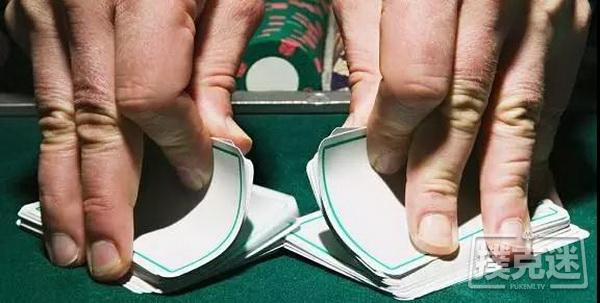 让你在德州扑克牌桌上输掉筹码的12个陷阱