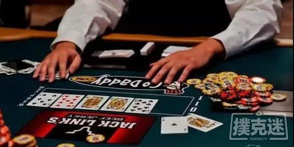 德州扑克技巧-在对子翻牌面用同花听牌加注的优劣