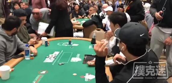 2019年世界扑克大赛主赛中脱裤子的扑克玩家被判缓刑