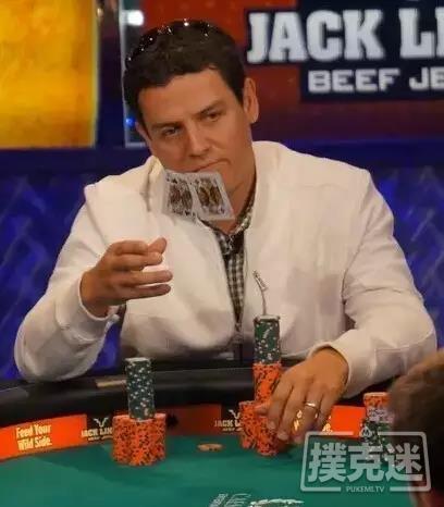 德州扑克分析-敲到河牌,被加注后扔掉葫芦!你做得到吗