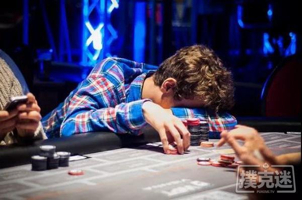 德州扑克中避免陷入牌局困境最简单粗暴的一招