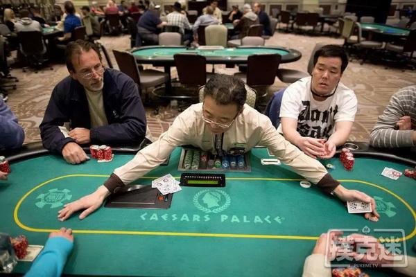 德州扑克习惯更宽的范围:大盲位置的打法