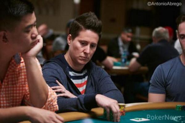 德州扑克Selbst用J8诈唬三条街,惨遭嘲讽,业余操作?