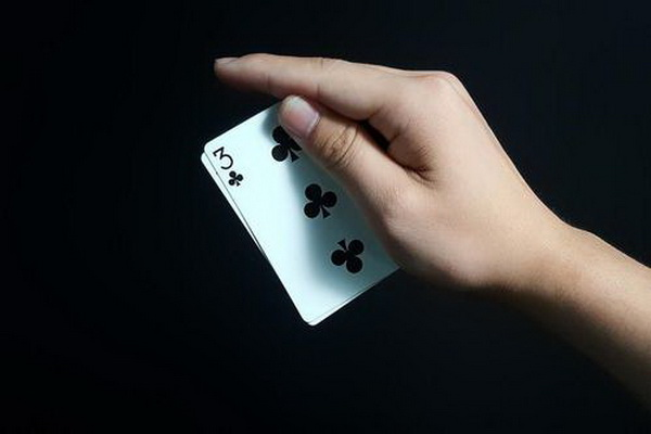 德州扑克小对子的错误游戏方式
