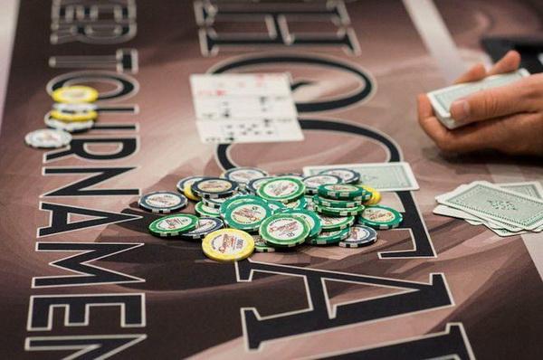 德州扑克为了价值的超额下注