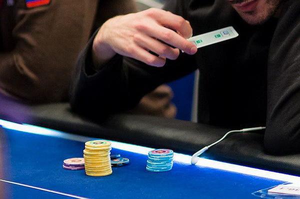 德州扑克没有必要跟注的8个例子