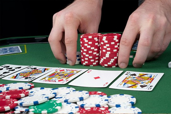德州扑克再加注之前需要考虑的5件事
