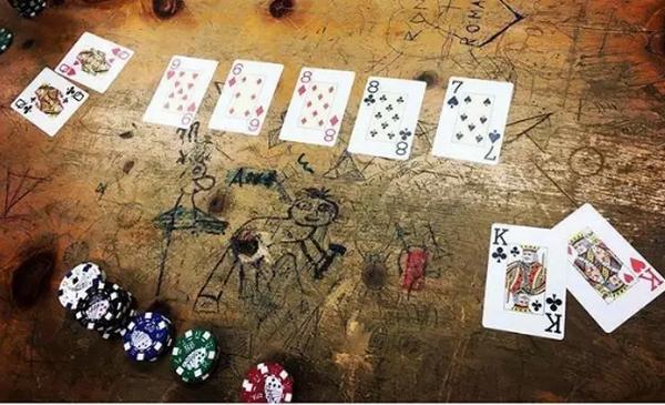 德州扑克逆袭轻易套牢一副对的对手