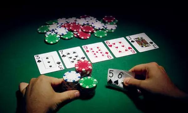 五条德州扑克锦囊