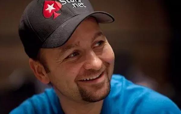 摇滚歌手一样的德州扑克选手--Daniel Negreanu