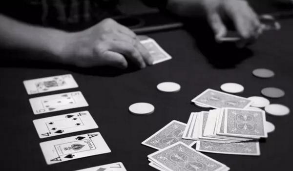 德州扑克如何决定翻牌前的加注量