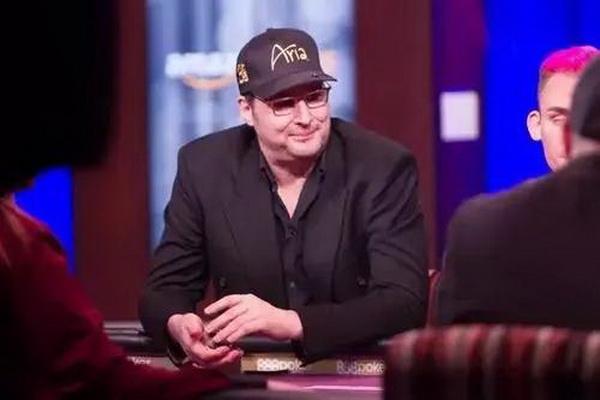 Doyle Brunson赞美Phil Hellmuth是世界上最伟大的牌手!