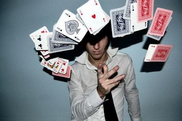 德州扑克翻前对决