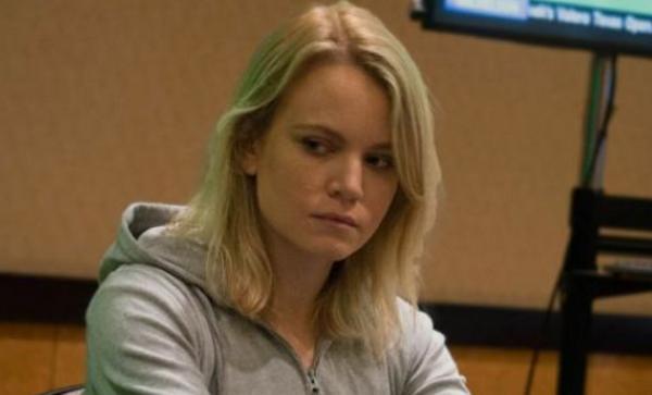 Cate Hall,非同一般的德州扑克牌手