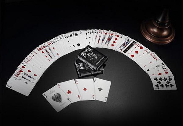 普通人要成为一名职业德州扑克牌手需要花多长时间?