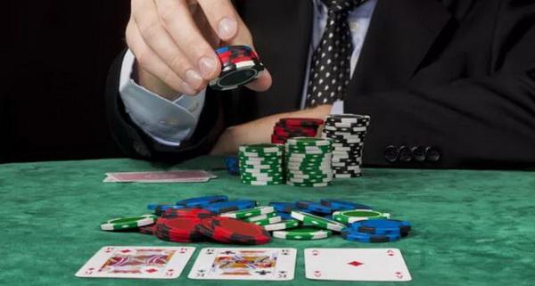 德州扑克尽快改掉这些牌桌上的这些坏习惯