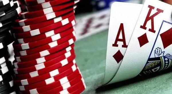 德州扑克新手成长为高玩的简单方法