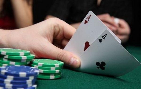 德州扑克如何游戏奥马哈