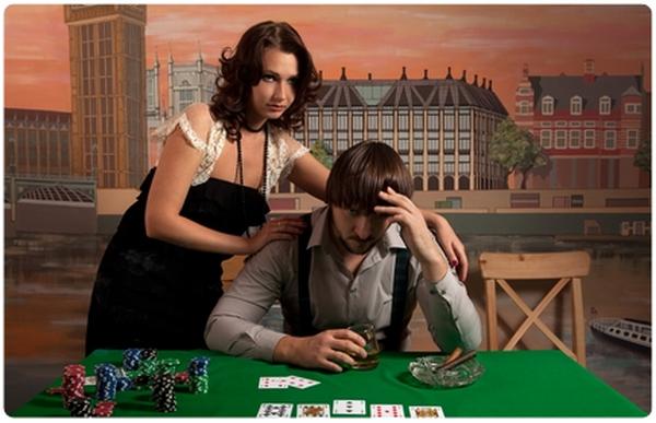 德州扑克玩家要学会打牌顾家两不误