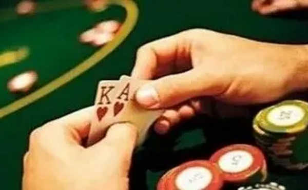 德州扑克这四种常见的场合一定要打得够凶!