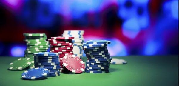 德州扑克如何应对转牌圈的超额下注?