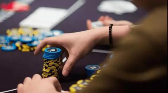 德州扑克让对手的诈唬不偏不倚