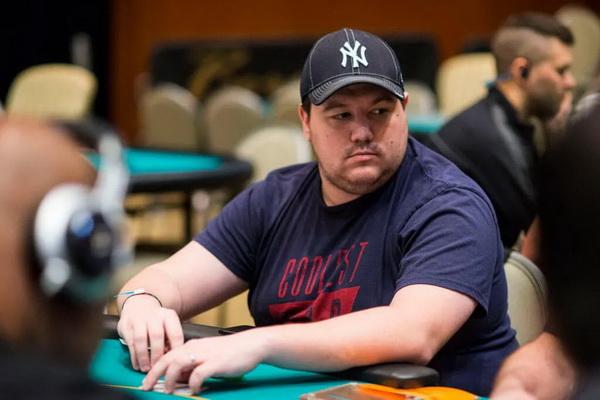 用拳头说话,Dan Smith向Deeb发起100万美元的笼战