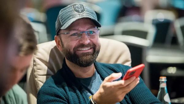 丹牛解析了《赌王之王》最有代表性的手牌